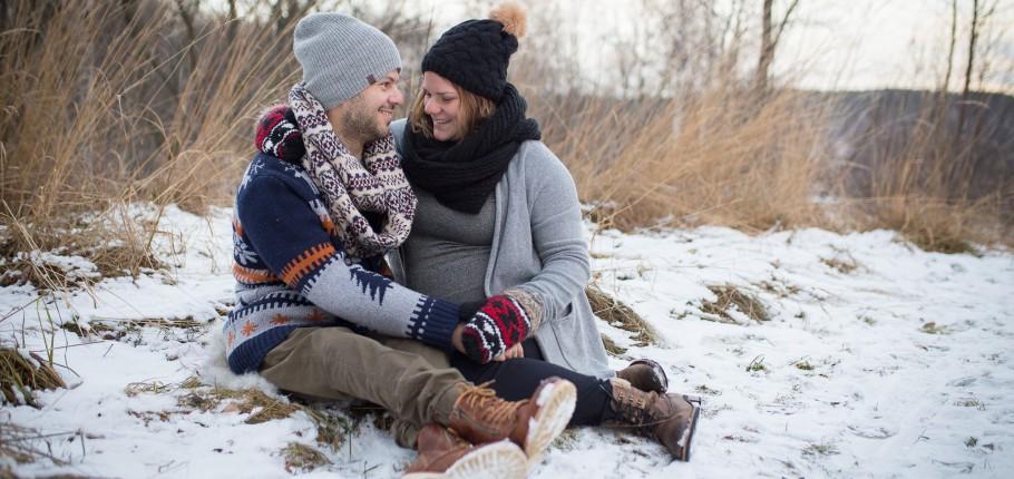 Gravidfotografering med vinterkänsla